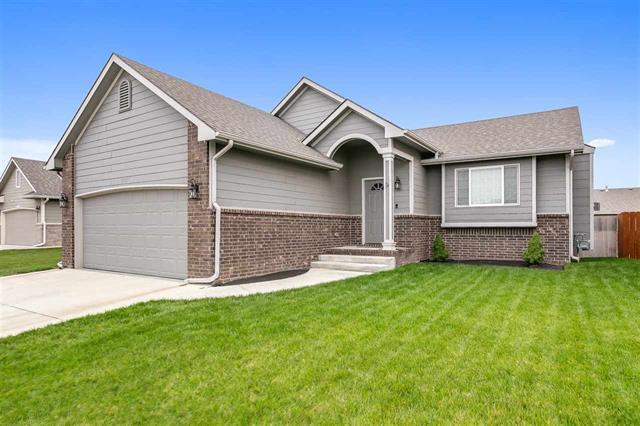 For Sale: 4505 S Custer Cir, Wichita KS