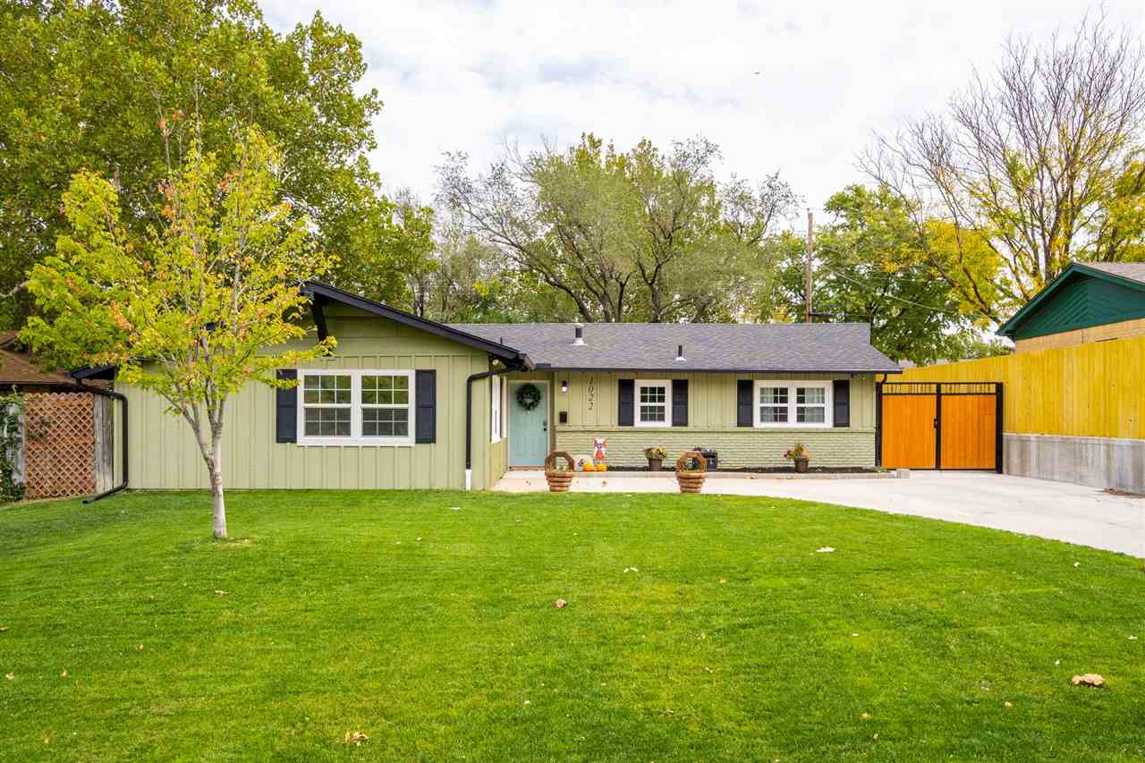 Charming home with stunning curb appeal located in Southeast Wichita. This home has been updated thr