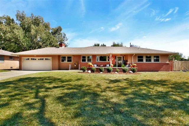 For Sale: 1314 N Parkwood Ln, Wichita KS
