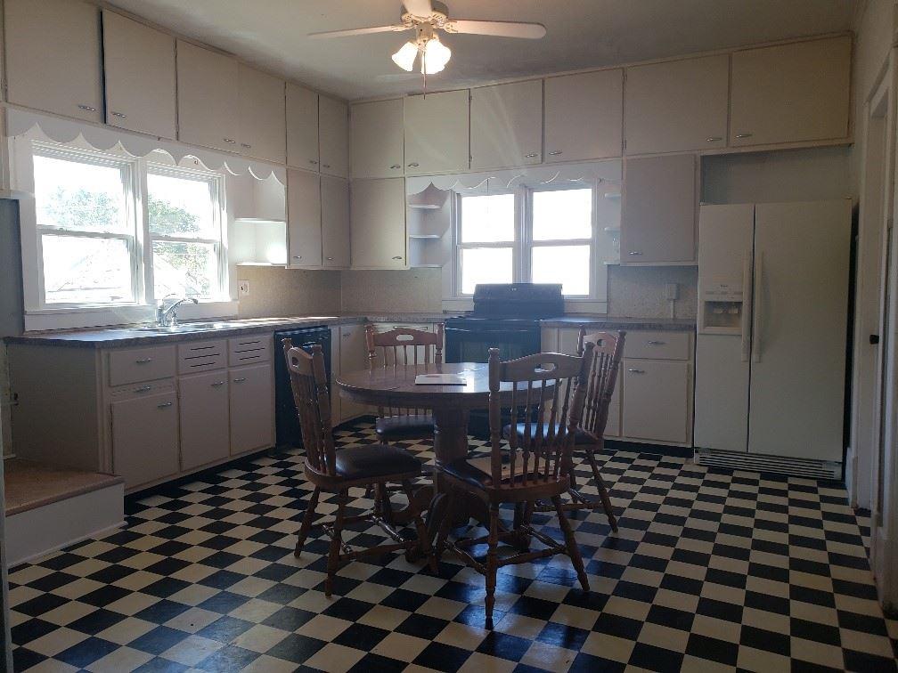 For Sale: 521 N OSAGE ST, Caldwell KS