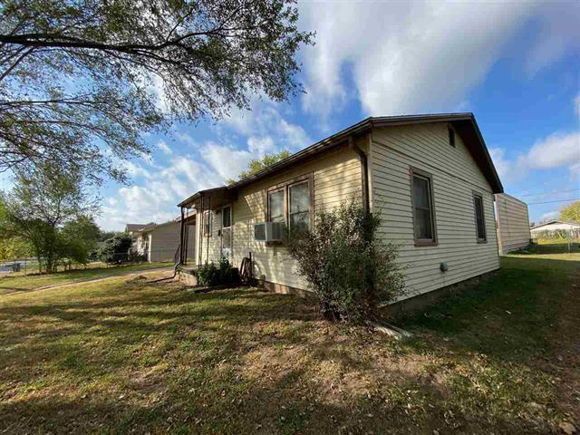 For Sale: 1311 N 9th St, Arkansas City KS