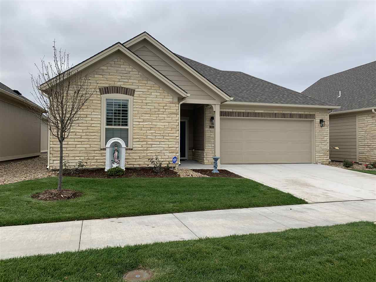 Better than new?  Seller got engaged and they decided to buy a bigger patio home in Estancia!  Take