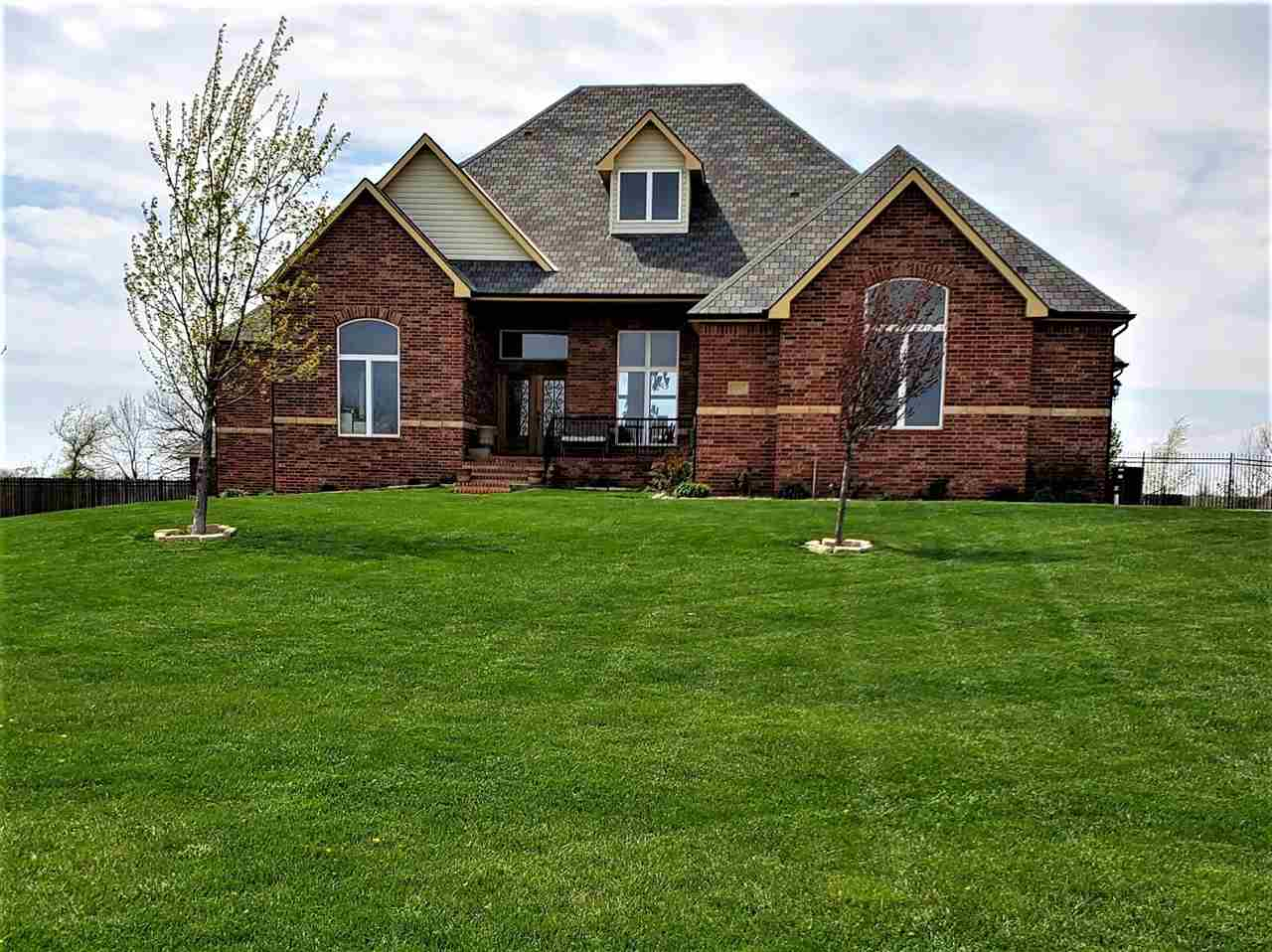 Come see your new home located on a quiet cul-de-sac on a 1-acre lot with in-ground pool! The main f