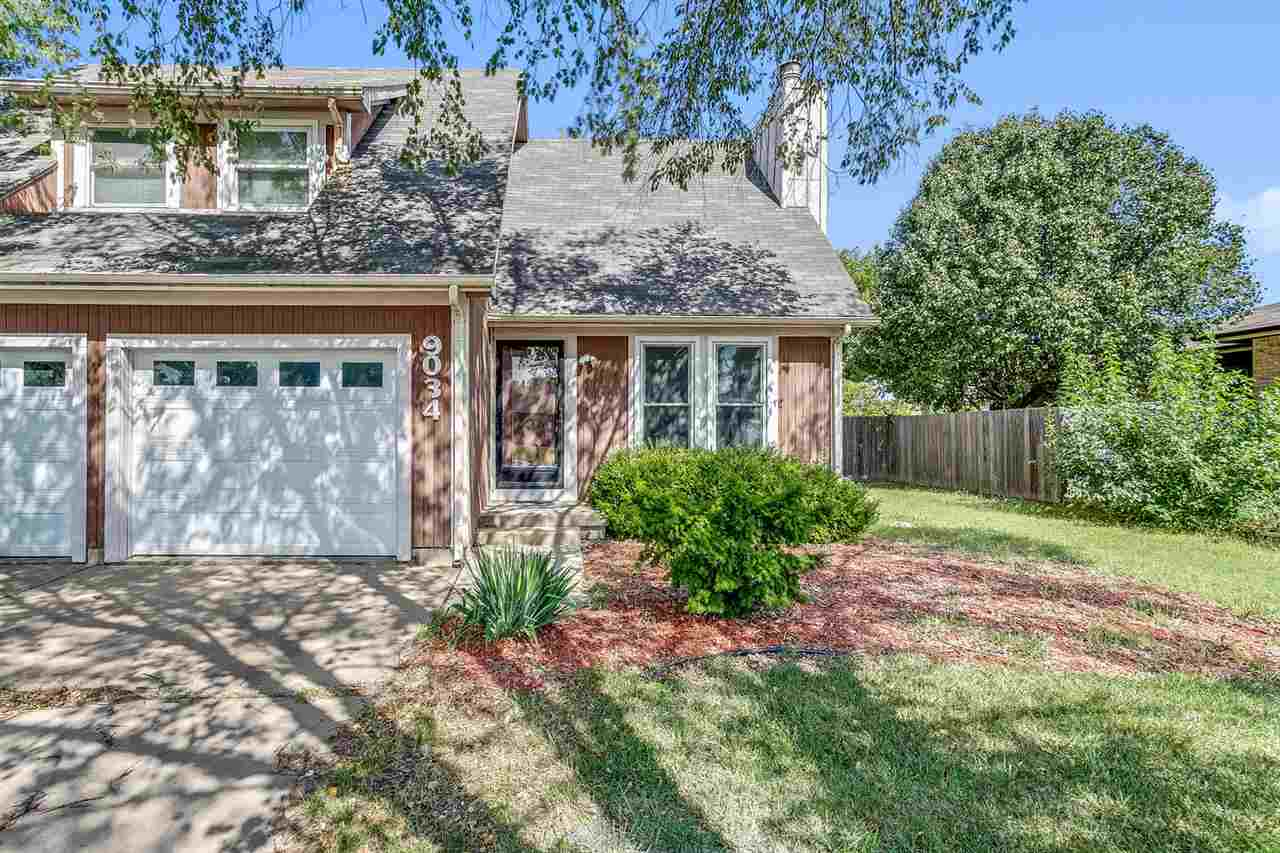 LOCATION LOCATION… this twin home is situated in SE Wichita close to many amenities. On the main lev