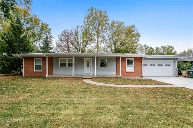 For Sale: 108 E Sunset Ln, Haven KS