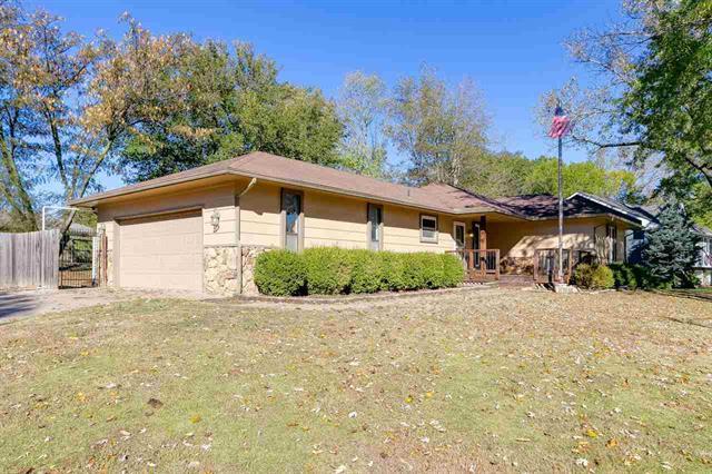 For Sale: 401 N Linden Ln, Haysville KS