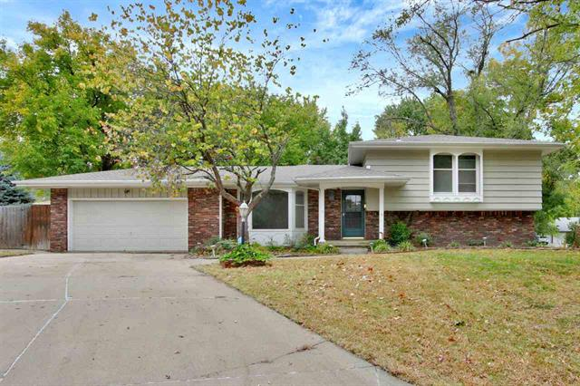 For Sale: 621 N Willow Dr, Derby KS