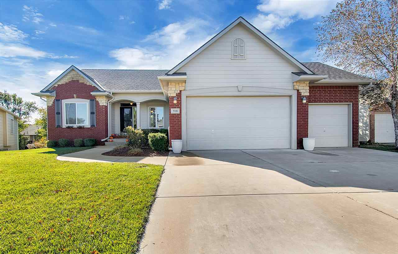 Looking for that perfect move-in ready home? Check out this 5 bedroom 3 bath home located in the des