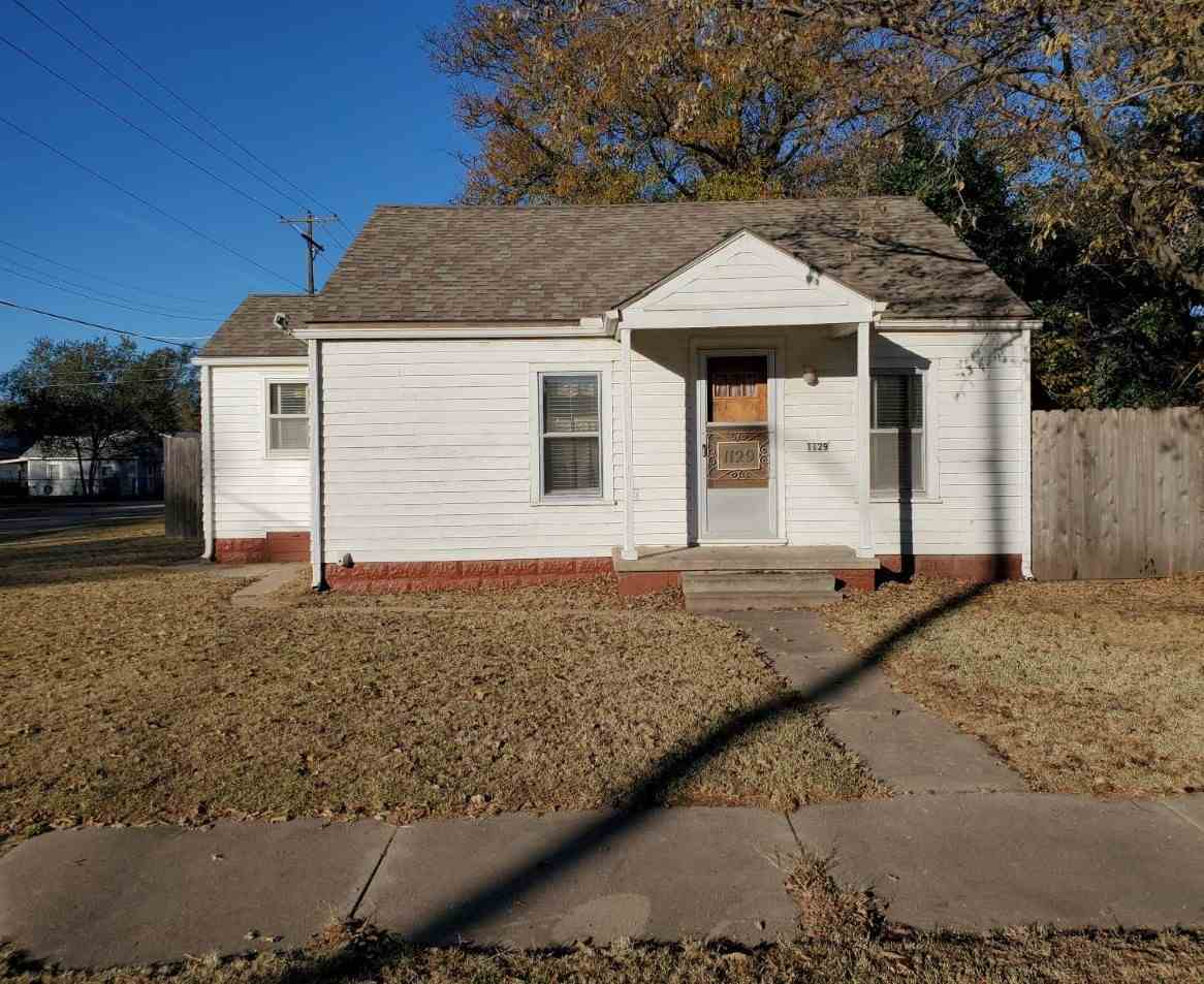 Great opportunity for an investment property or first time home buyer.  Located on a corner lot, thi
