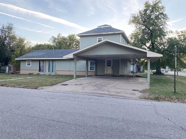 For Sale: 223 E 11th St, Harper KS