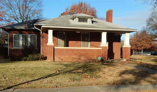 For Sale: 1501  Loomis St, Winfield KS