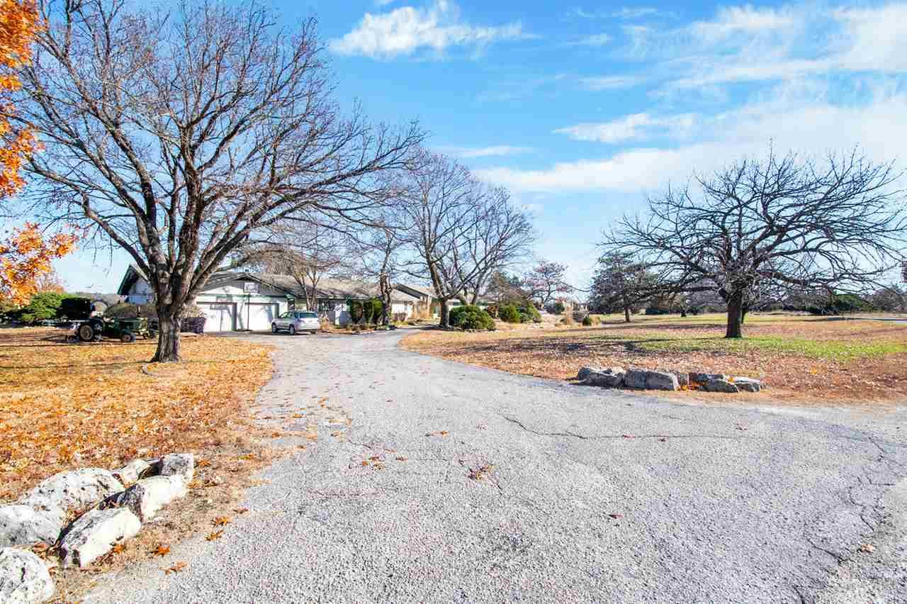 For Sale: 800 S Lakewood Dr, Wichita KS