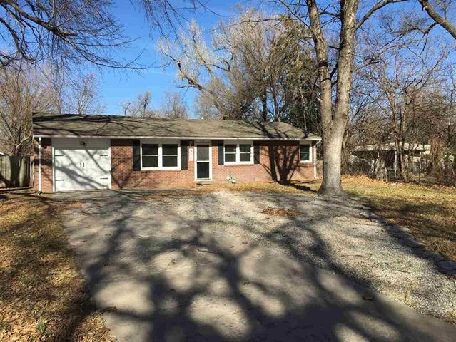 For Sale: 408 E Kansas Ave, Hutchinson KS