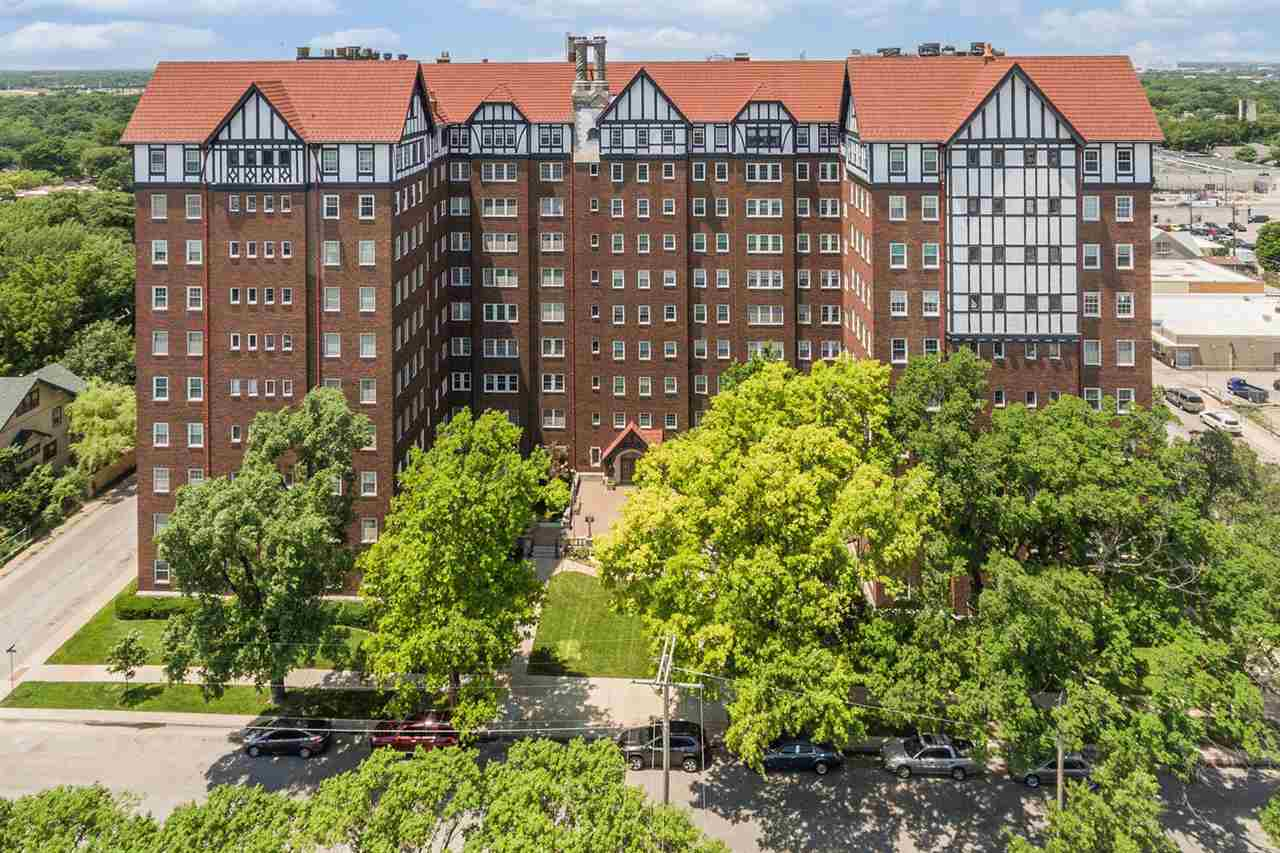 This spectacular apartment is on the SE corner of the Hillcrest. Wood floors are in impeccable condi