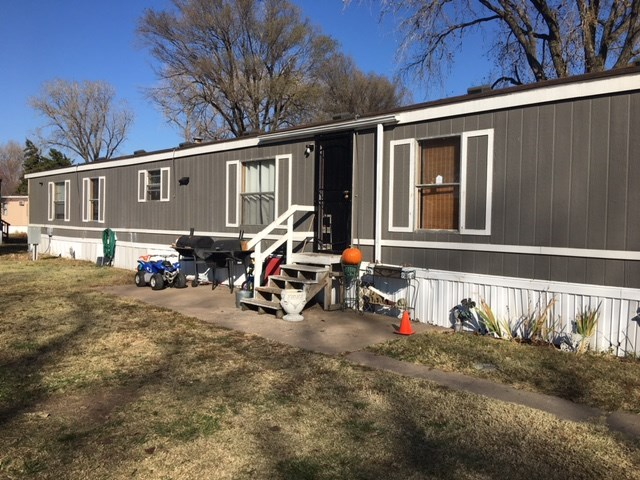Listing is for mobile home only.  Lakeside Landing lot fee is $317.00 per month which includes trash
