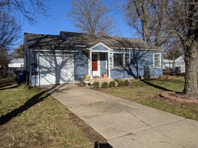 For Sale: 1420 W 8TH, Newton KS