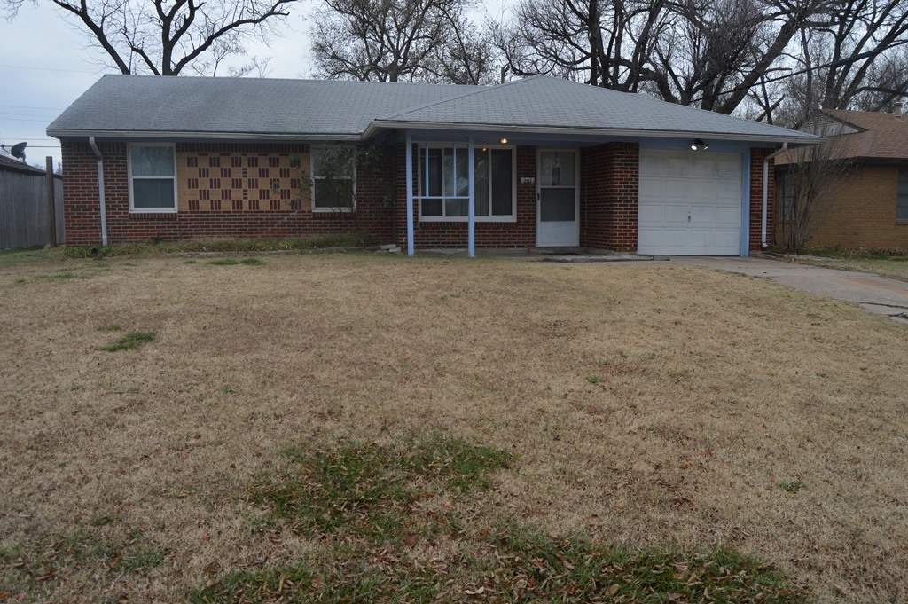 This full brick 3 bedroom 1 bath home on slab foundation is perfect for an investor looking for a re