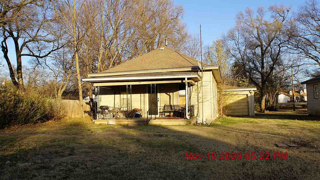 612 S Maple St, Douglass, KS, 67039