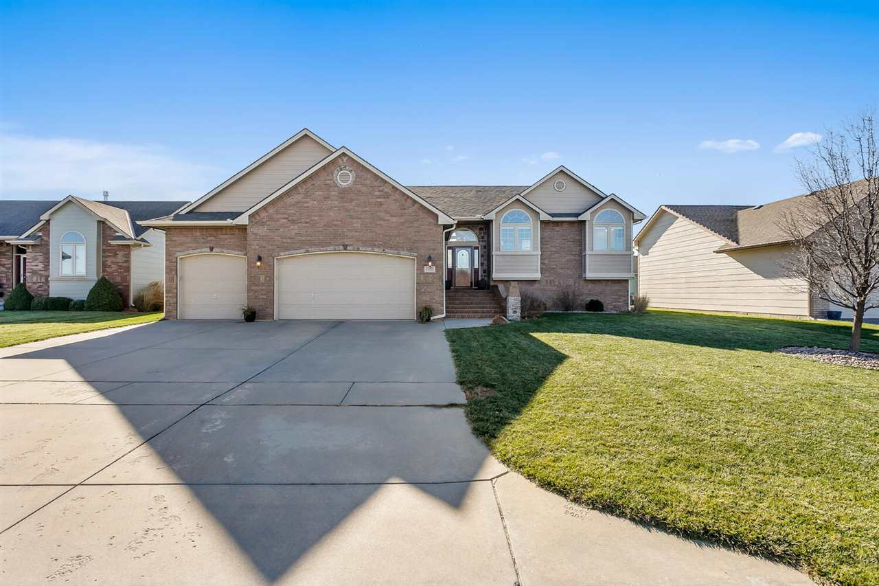 Welcome home! This beautiful home features impressive open areas, large rooms, wonderful natural lig