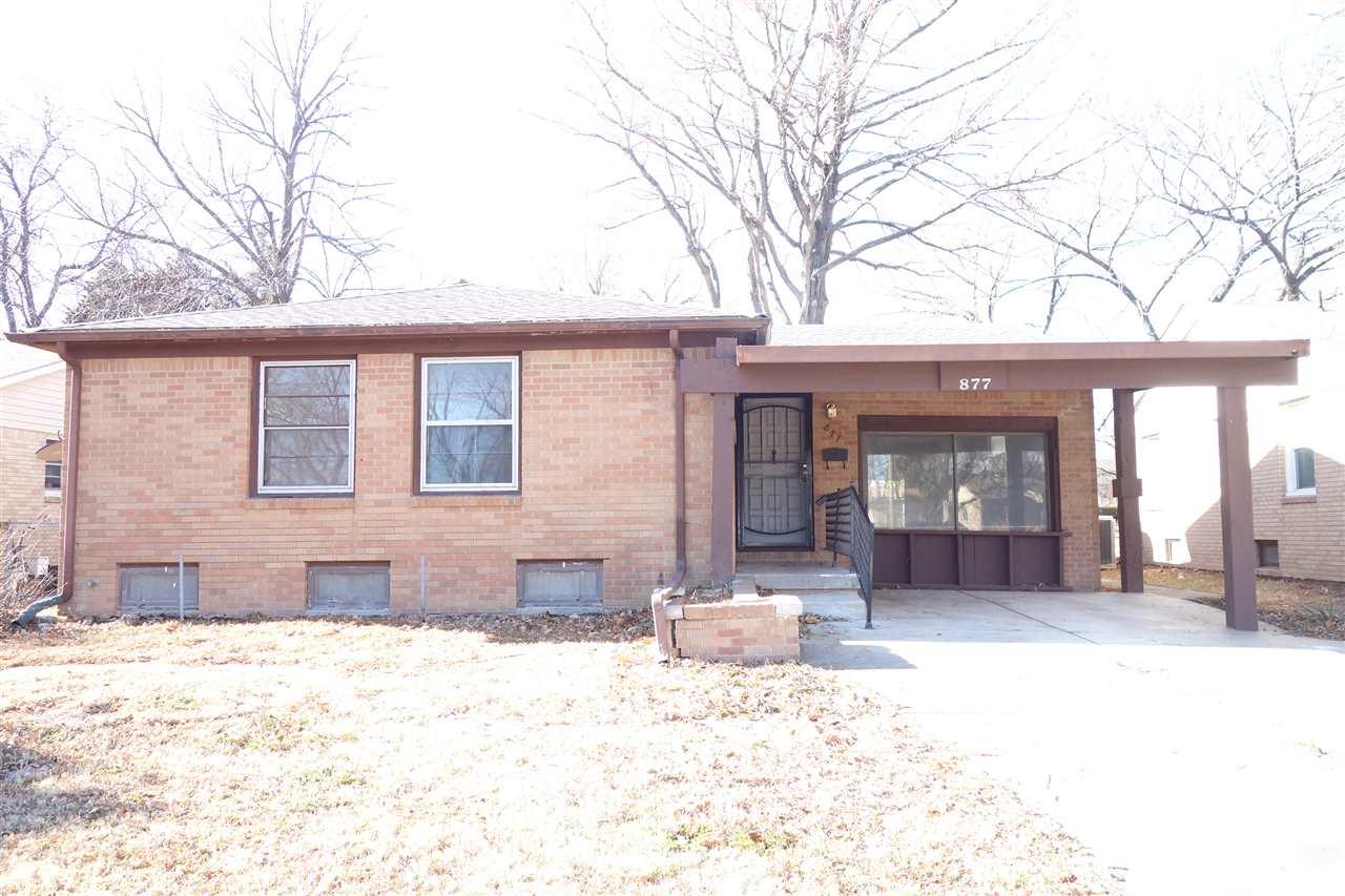 877 S Fabrique Dr, Wichita, KS, 67218
