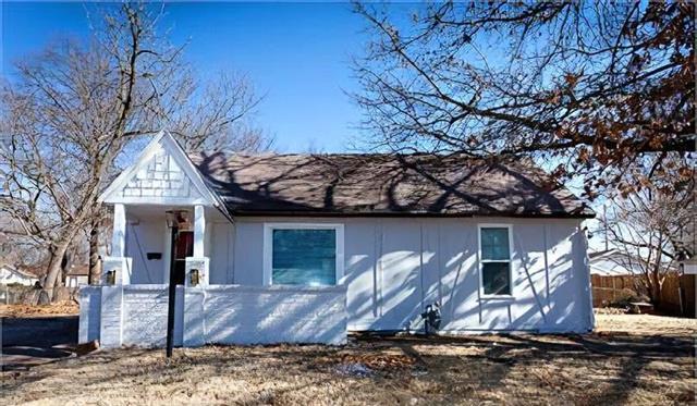 For Sale: 852 S Belmont St, Wichita KS