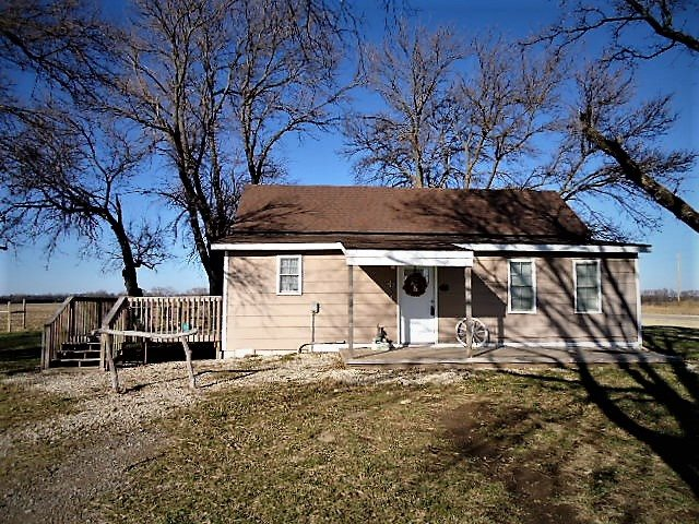 For Sale: 759 N Oliver Rd, Belle Plaine KS