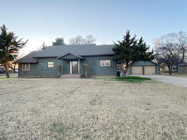 For Sale: 818  Robinson St, Kiowa KS