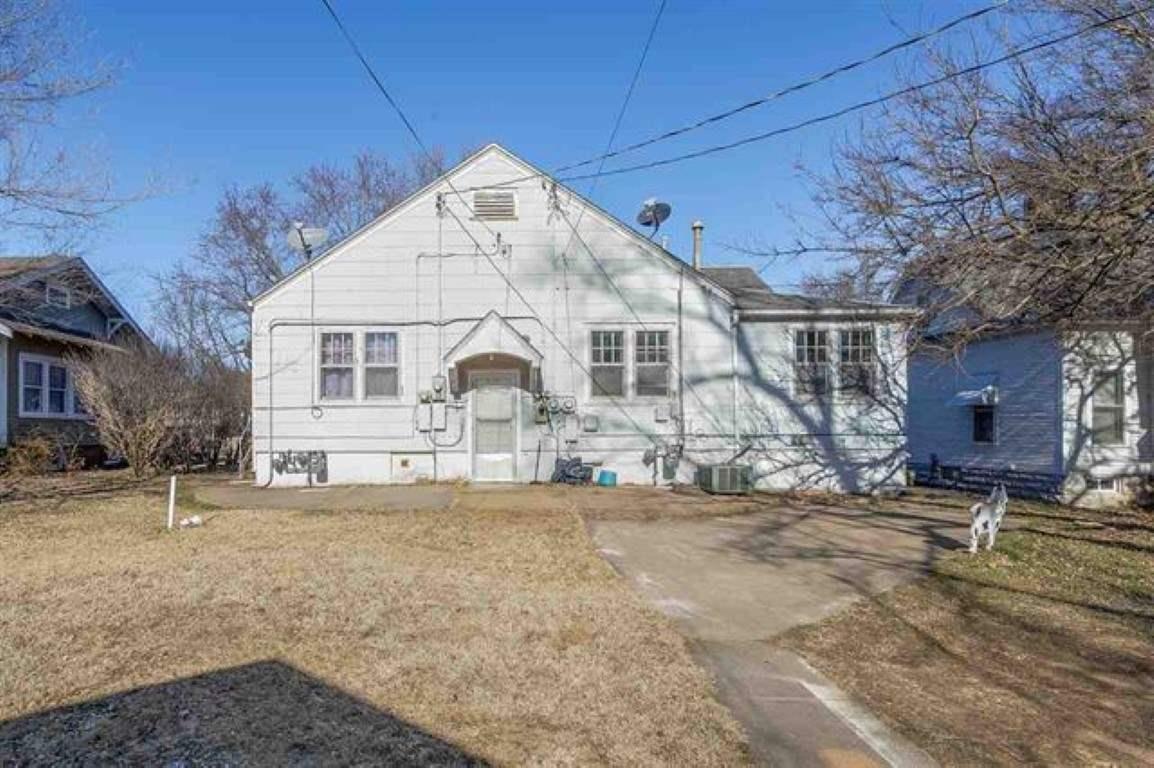 For Sale: 429 E B Ave, Kingman KS