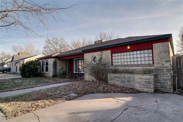 For Sale: 517 E MULVANE ST, Mulvane KS