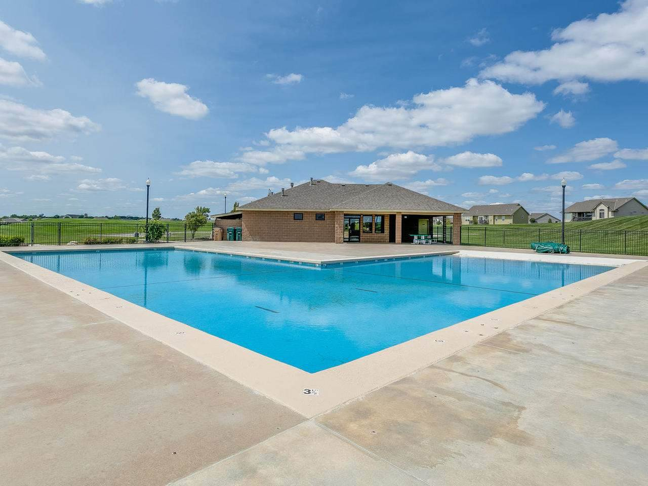For Sale: 5289 N Hampton St, Bel Aire KS