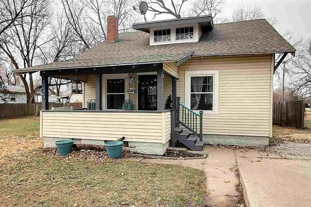 For Sale: 305 S King St., Maize KS