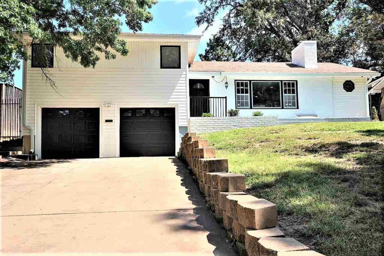 COMPLETELY REMODELED HOME!!! Everything is new! New LVP flooring, freshly painted inside and out, ne