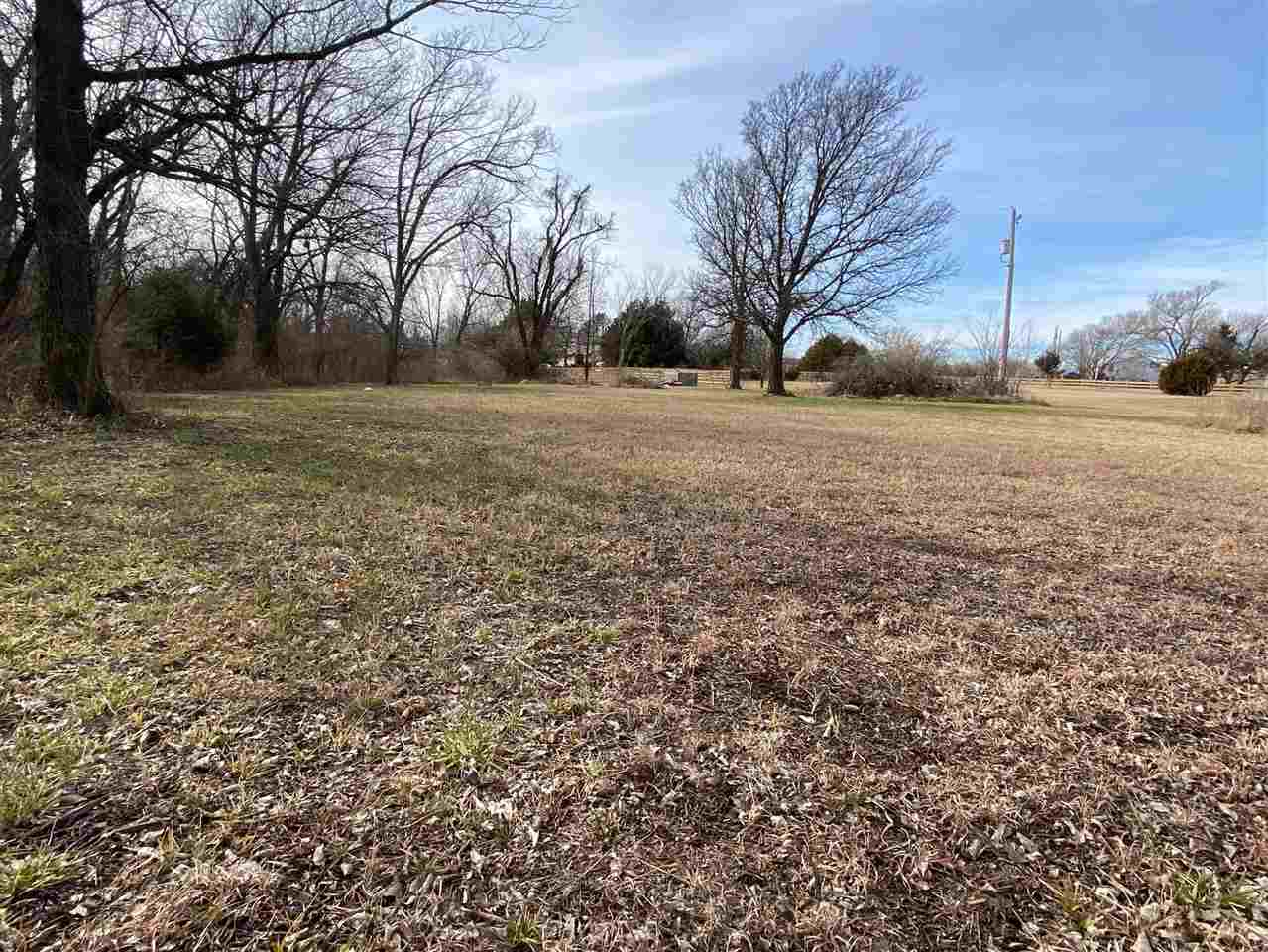 For Sale: 610 S Pleasantview Dr, Andover KS