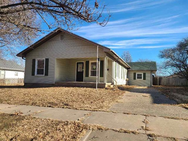 For Sale: 1118 N 4th, Arkansas City KS