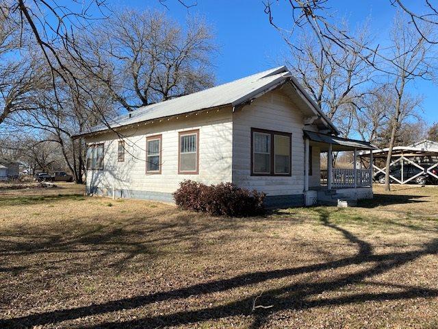 For Sale: 338 S Chestnut St, Howard KS