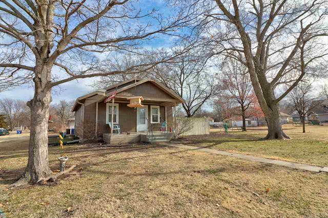 For Sale: 324 N Edwards Ave, Moundridge KS