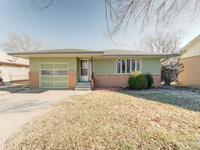 For Sale: 106 N Washington St, Hillsboro KS