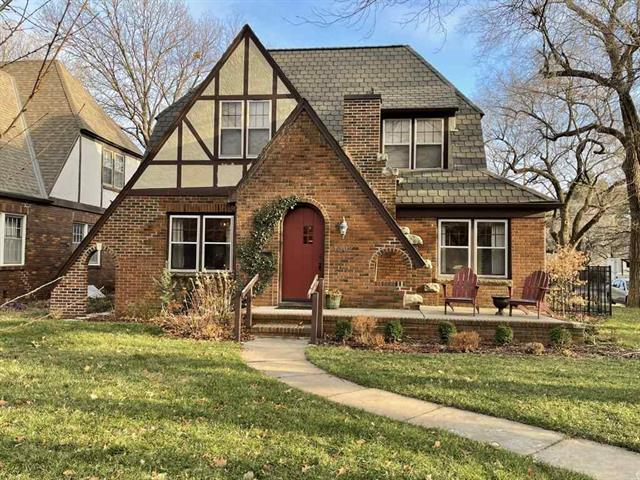 For Sale: 1502 N WOODROW AVE, Wichita KS