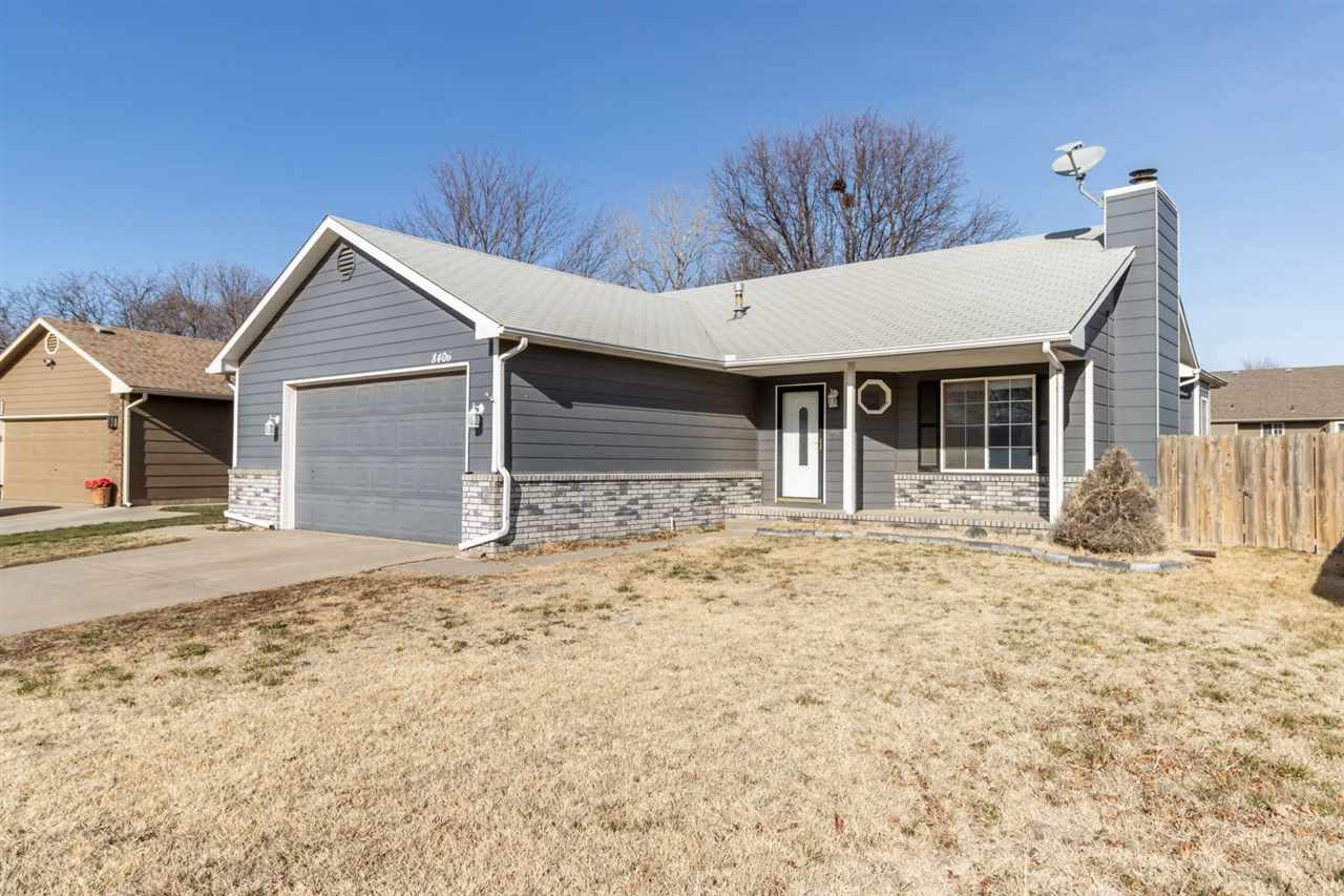 Move in ready! COZY Ranch home with upgrades including new carpet and paint. OVERSIZED Garage! Charm