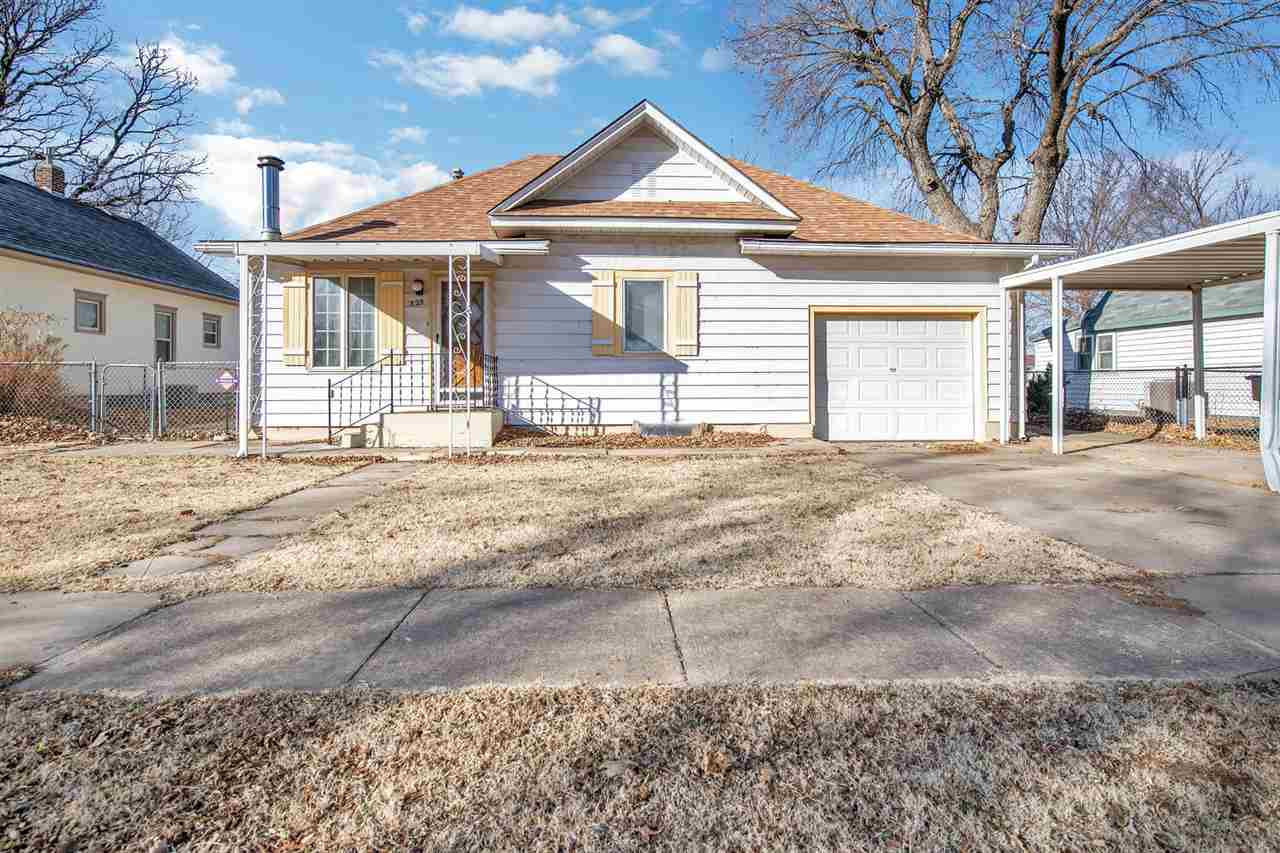 Charming 2 BR, 2 bath home in the heart of Andale! Updates include new carpet and paint on the main