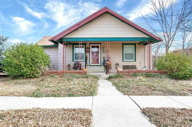 For Sale: 802 S Oak St, Pratt KS