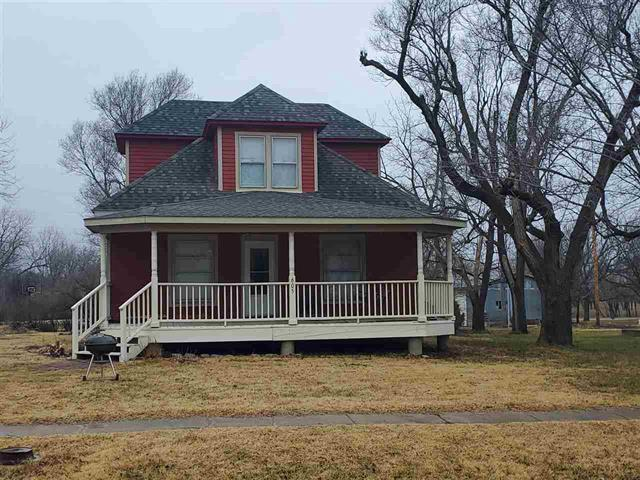 For Sale: 605 N MAIN ST, Elbing KS