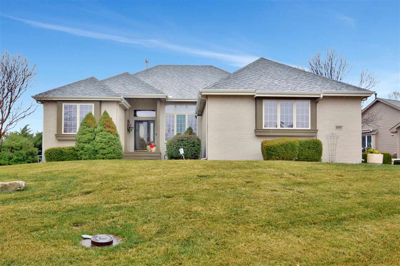 Welcome home to this gorgeous patio home located in the desirable Remington addition. This home feat