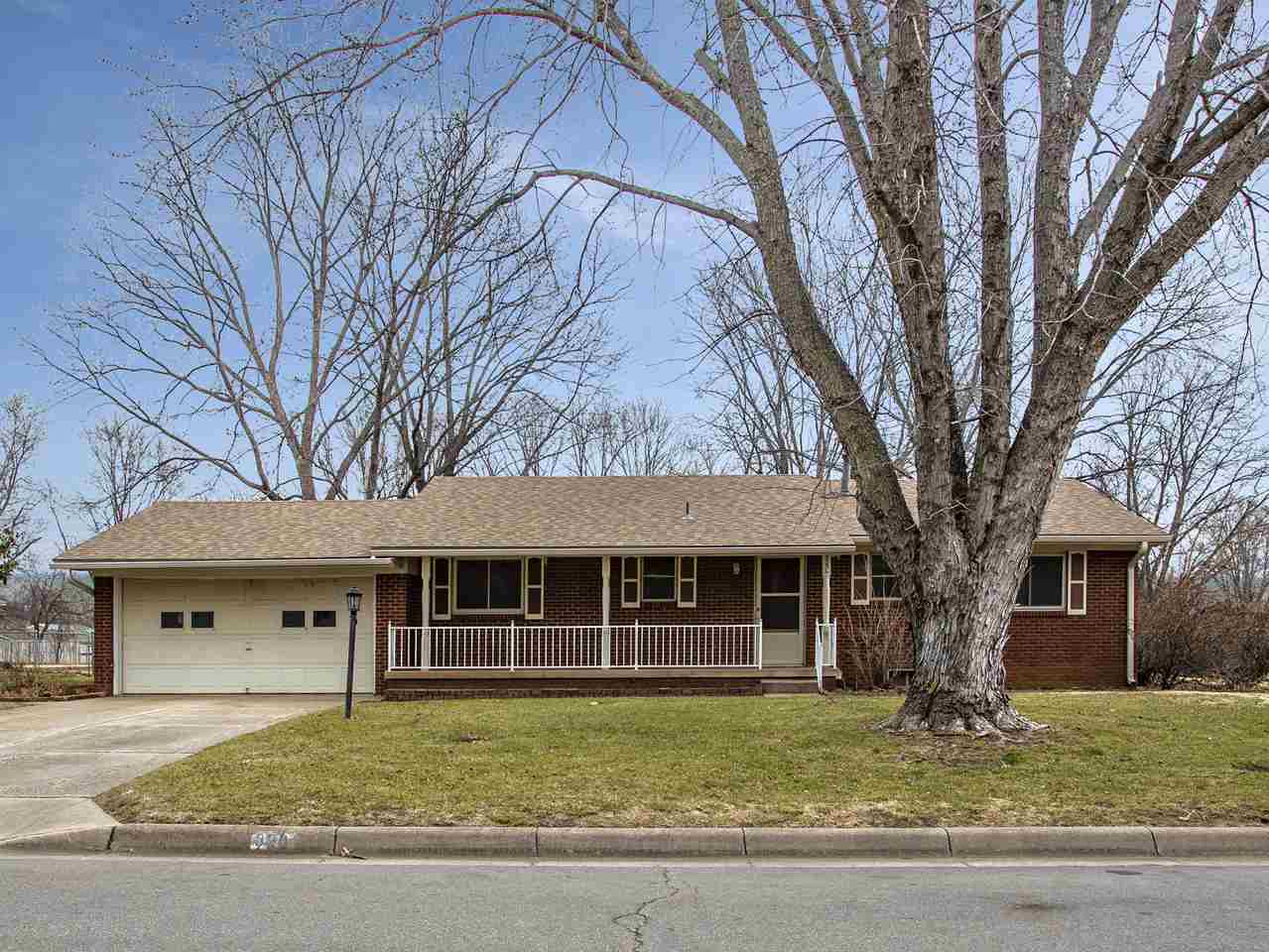 320 S 1st St, Clearwater, KS, 67026