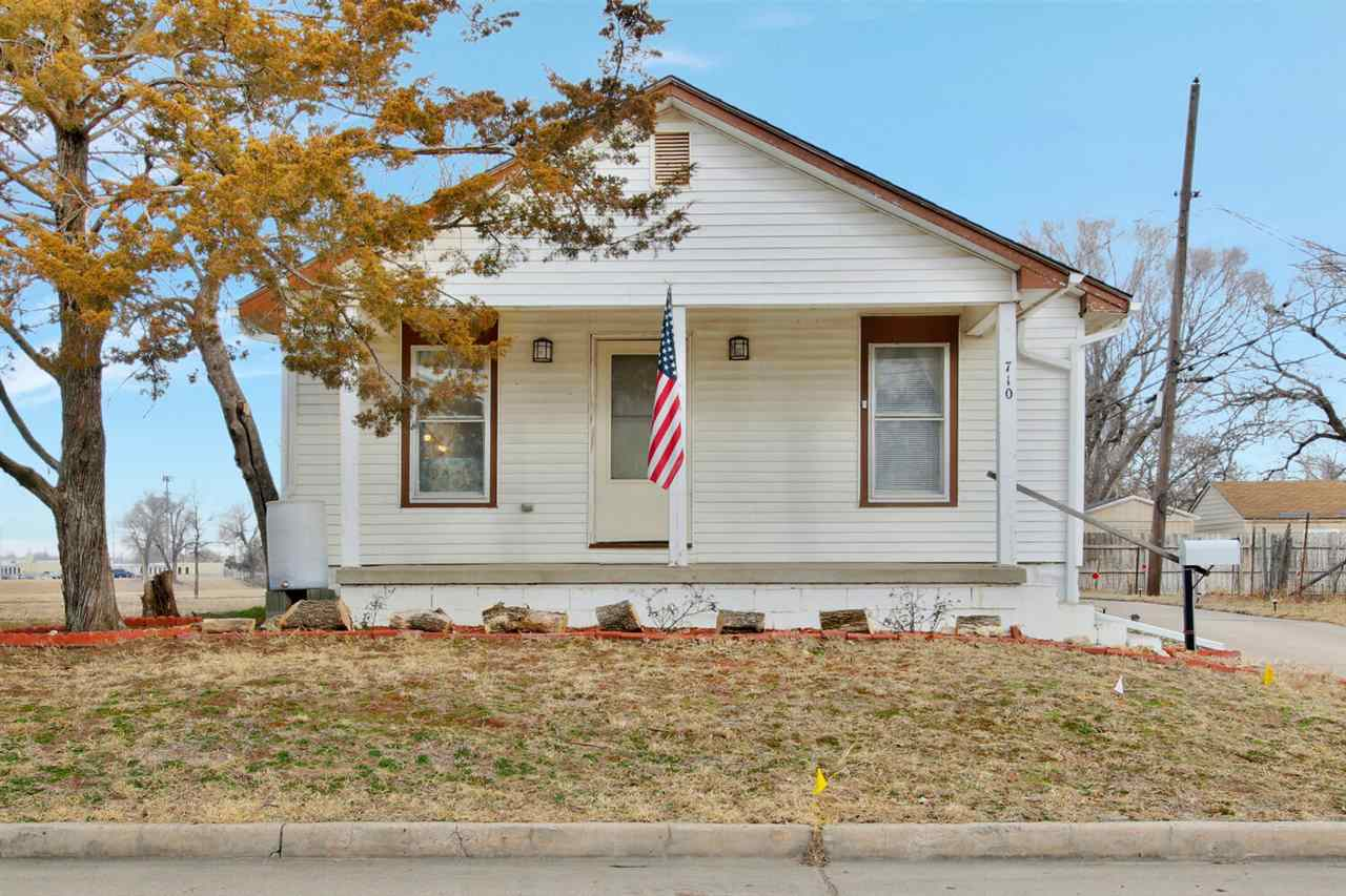 Perfect investment or 1st time buyer home!  This home features 3 bedrooms, 1.5 baths and a 2 car gar
