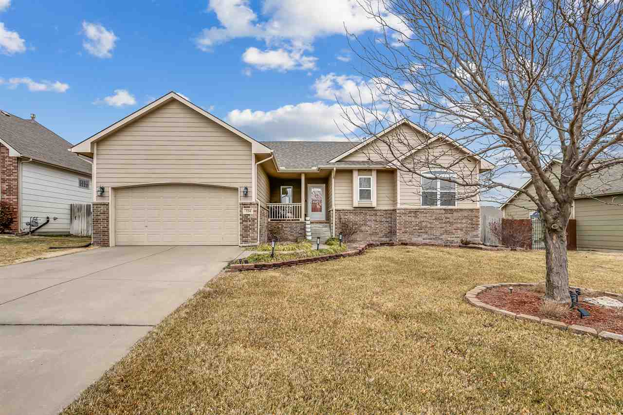 This Beautiful Ranch home is move in ready!! Seller just completely remodel in 2020 the kitchen with