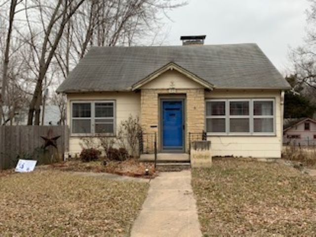 For Sale: 415  COLLEGE ST, Winfield KS