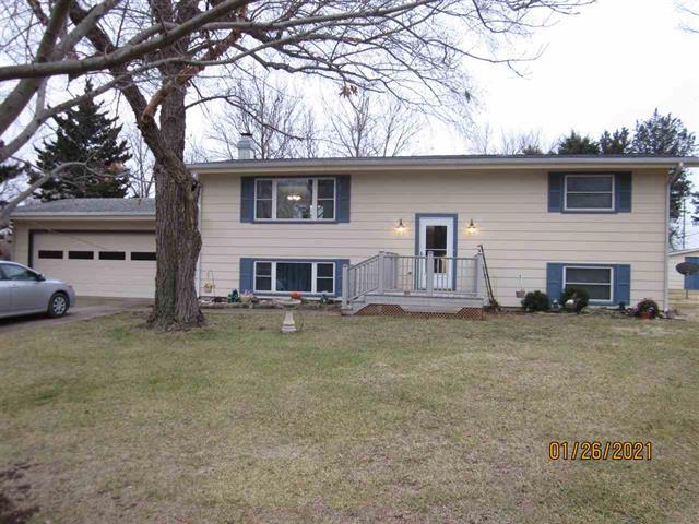 For Sale: 7  Starlight Ct, Winfield KS