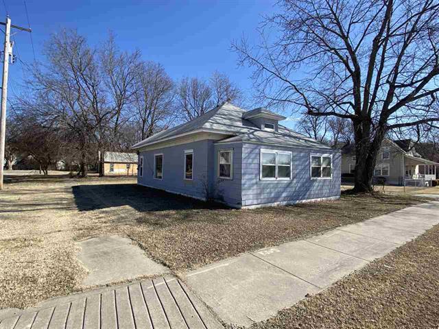 For Sale: 202 S 1st Ave, Mulvane KS
