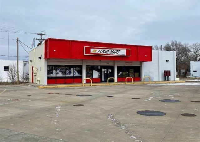 For Sale: 126 W Avenue A, Hutchinson KS
